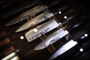 【初めての包丁選び】料理人になるためにまずは牛刀とペティナイフを購入しよう