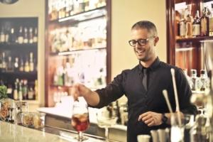 【飲食店オープニングスタッフ】の求人と教育方法|マニュアルと研修は必須